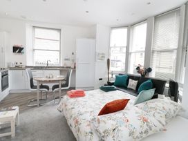 Apartment 2 Orme Court - North Wales - 990161 - thumbnail photo 7