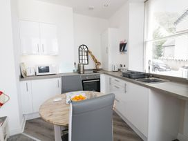 Apartment 2 Orme Court - North Wales - 990161 - thumbnail photo 6