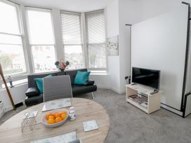 Apartment 2 Orme Court - North Wales - 990161 - thumbnail photo 2