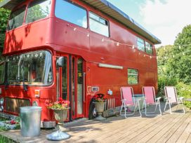 The Red Bus! - Cotswolds - 990350 - thumbnail photo 1