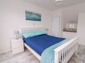 Beech Tree Cottage - South Wales - 990919 - thumbnail photo 14