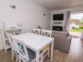 Beech Tree Cottage - South Wales - 990919 - thumbnail photo 4