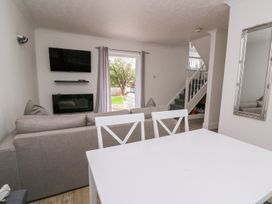 Beech Tree Cottage - South Wales - 990919 - thumbnail photo 5