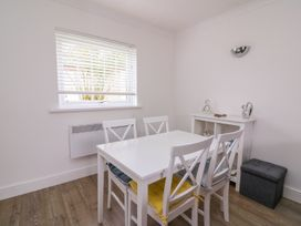 Beech Tree Cottage - South Wales - 990919 - thumbnail photo 10