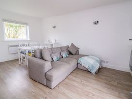 Beech Tree Cottage - South Wales - 990919 - thumbnail photo 6