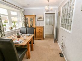 Bumble Bee Cottage - Lincolnshire - 990946 - thumbnail photo 8