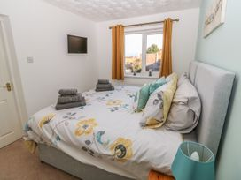 Bumble Bee Cottage - Lincolnshire - 990946 - thumbnail photo 13