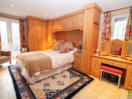 The West Wing - North Wales - 990988 - thumbnail photo 24