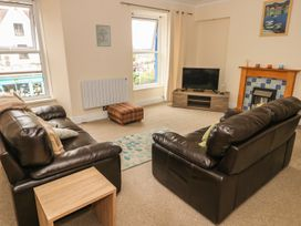 4 Cambrian Terrace - South Wales - 991120 - thumbnail photo 2