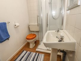 4 Cambrian Terrace - South Wales - 991120 - thumbnail photo 13