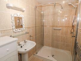 Sea View apartment - North Wales - 991797 - thumbnail photo 14