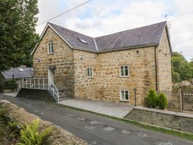 6 bedroom Cottage for rent in Llanfairpwllgwyngyll