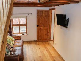 Old Hall Barn 4 - Shropshire - 992269 - thumbnail photo 5