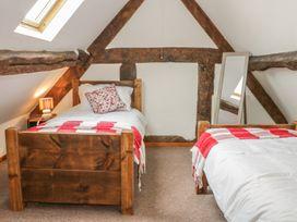 Old Hall Barn 4 - Shropshire - 992269 - thumbnail photo 23