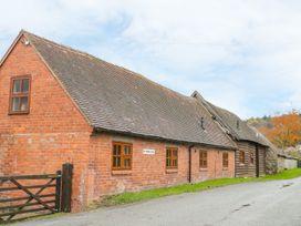 Old Hall Barn 4 - Shropshire - 992269 - thumbnail photo 1