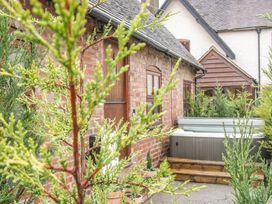 Old Hall Barn 4 - Shropshire - 992269 - thumbnail photo 2