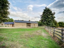 Lower Farm Barn - Cotswolds - 992282 - thumbnail photo 68