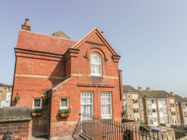 The Old School House - Whitby & North Yorkshire - 992909 - thumbnail photo 2