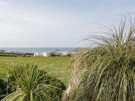 Beach View Apartment 1 - Cornwall - 992957 - thumbnail photo 12