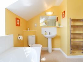Grooms Cottage - Lincolnshire - 993253 - thumbnail photo 21