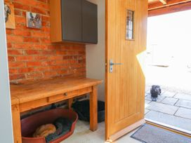 Grooms Cottage - Lincolnshire - 993253 - thumbnail photo 23