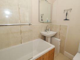 1st Floor Flat at Wylfa - Anglesey - 993469 - thumbnail photo 22