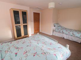 Hazel Cottage - Whitby & North Yorkshire - 993510 - thumbnail photo 9