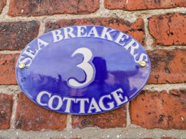 Sea Breakers Cottage - Whitby & North Yorkshire - 993621 - thumbnail photo 3