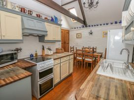 Heather Cottage - South Wales - 993726 - thumbnail photo 9