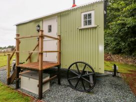 Shepherds Hut - The Crook - South Wales - 993729 - thumbnail photo 3