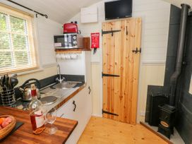 Shepherds Hut - The Crook - South Wales - 993729 - thumbnail photo 8