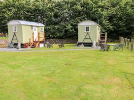 Shepherds Hut - The Crook - South Wales - 993729 - thumbnail photo 16