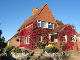 4 bedroom Cottage for rent in Winchester