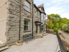 5 bedroom Cottage for rent in Dolgellau