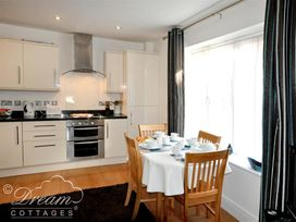 Admiral's Quarter Apartment 5 - Dorset - 993911 - thumbnail photo 2