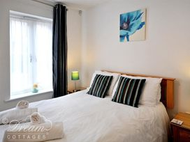 Admiral's Quarter Apartment 5 - Dorset - 993911 - thumbnail photo 4