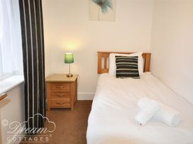 Admiral's Quarter Apartment 5 - Dorset - 993911 - thumbnail photo 5