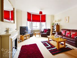 Azure Apartment - Dorset - 993969 - thumbnail photo 4