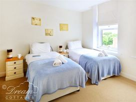 Azure Apartment - Dorset - 993969 - thumbnail photo 7