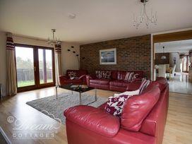 Baytree Lodge - Dorset - 993982 - thumbnail photo 9
