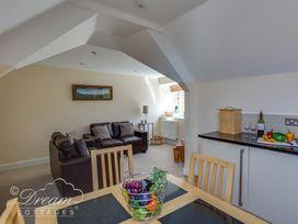 Bayview Apartment - Dorset - 993983 - thumbnail photo 2