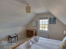 Bayview Apartment - Dorset - 993983 - thumbnail photo 7