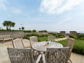 Beach View Apartment 2 - Dorset - 993988 - thumbnail photo 1