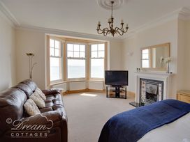 Beach View Apartment 2 - Dorset - 993988 - thumbnail photo 20