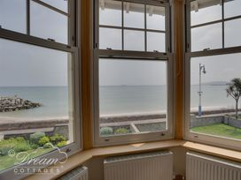 Beach View Apartment 2 - Dorset - 993988 - thumbnail photo 21