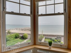 Beach View Apartment 3 - Dorset - 993989 - thumbnail photo 6