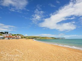 Beach View Apartment 3 - Dorset - 993989 - thumbnail photo 14