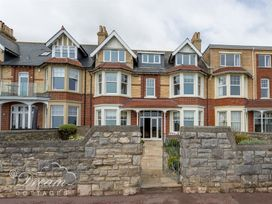Beach View Apartment 4 - Dorset - 993990 - thumbnail photo 1