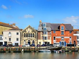 5 bedroom Cottage for rent in Weymouth
