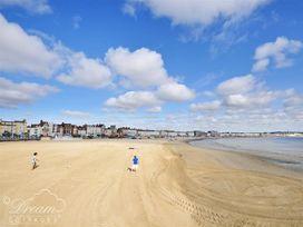 The Beach House - Dorset - 993993 - thumbnail photo 33